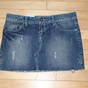 NWT SO Jean Skirt Womans/Junior Size 5 Distressed